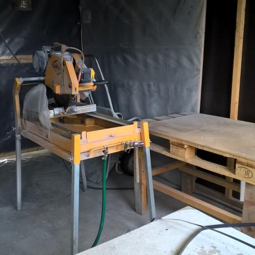 drill core cutting table